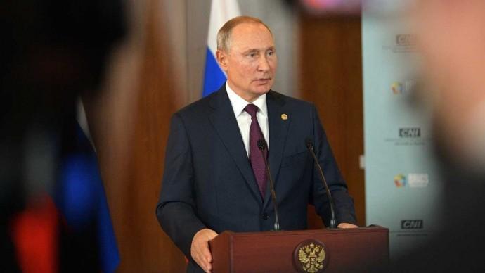 Владимир Путин ответил на вопросы журналистов по завершении саммита БРИКС в Бразили