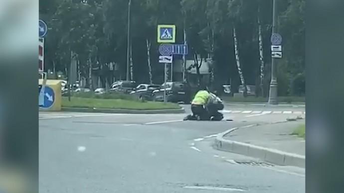 Момент стрельбы на Ленинском проспекте в Москве попал на видео — эксклюзив RT