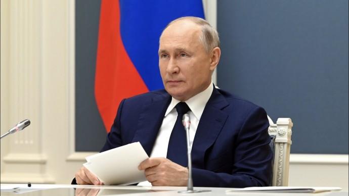 Путин пообещал помогать Белоруссии в условиях санкций Запада