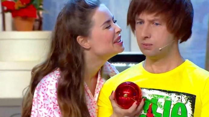 Тинейджер и шарик - Уральские Пельмени | Новогодний номер Уральских Пельменей