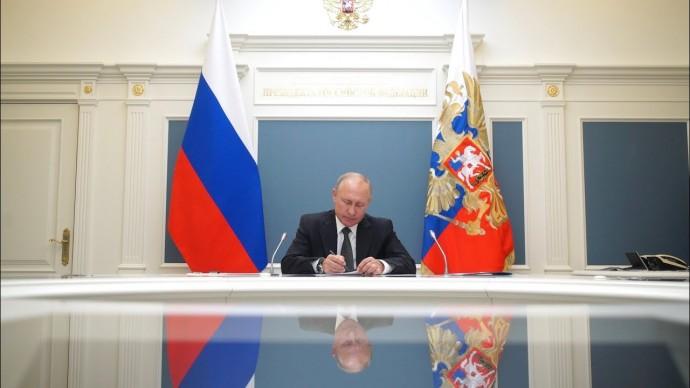 Путин: борьба с коронавирусом будет продолжаться настойчиво и последовательно