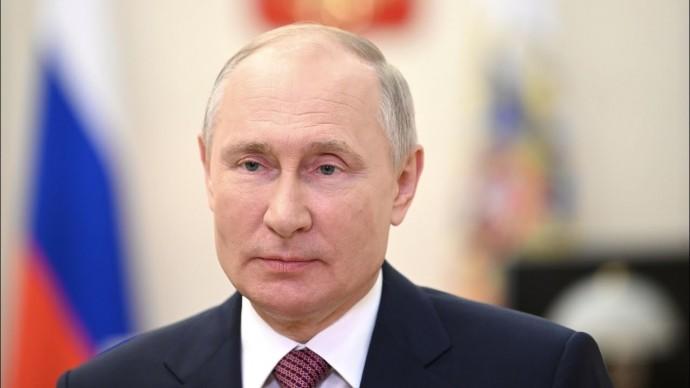 Путин пожелал выпускникам вузов мечтать и никогда не сдаваться