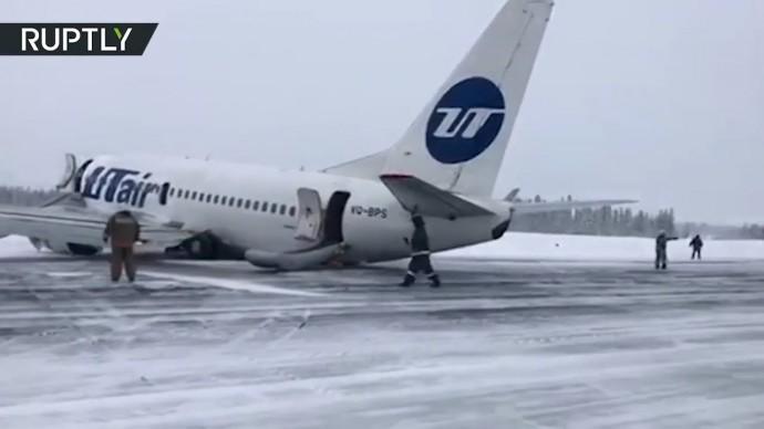 Жёсткая посадка самолёта «ЮТэйр» в Усинске — видео