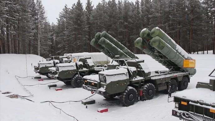 Новые расчёты С-400 «Триумф» заступили на боевое дежурство под Екатеринбургом