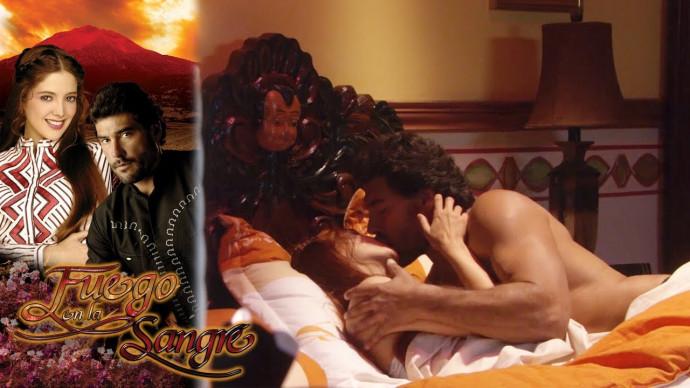 Juan entra a escondidas al cuarto de Sofía | Fuego en la sangre - Televisa