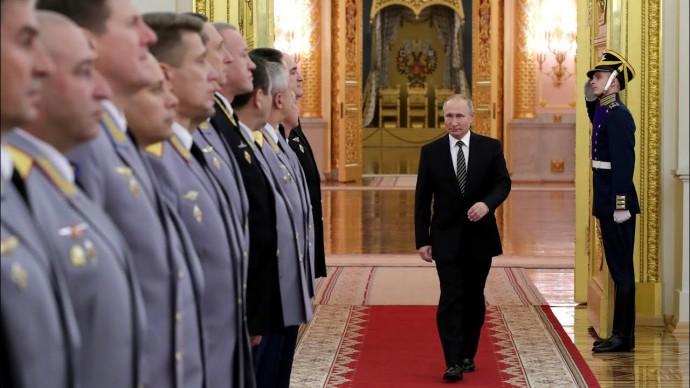 Владимир Путин провёл торжественный прием офицеров в Кремле