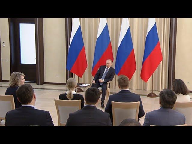 «Неожиданно»: Путина поздравили с избранием на пост президента 20 лет назад