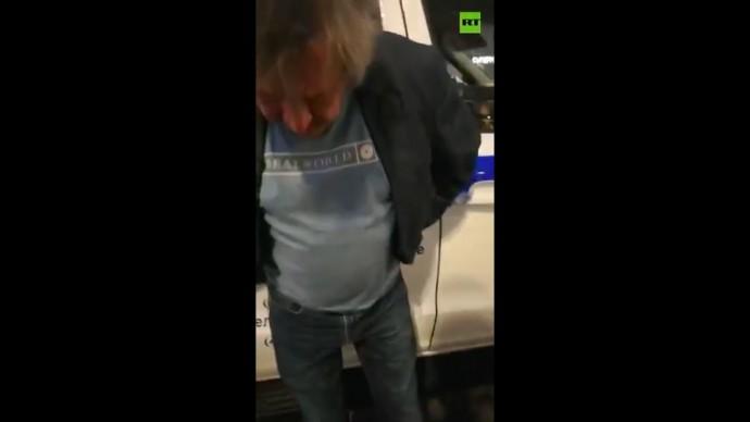 Михаил Ефремов на месте аварии на Смоленской площади в Москве — эксклюзив RT