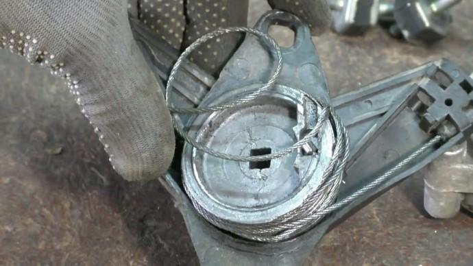 Посмотри. что можно сделать, если сломался стеклоподъёмник. Совет авто электрика.