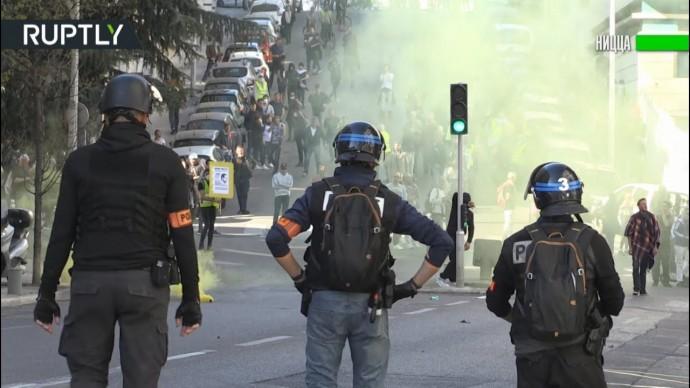 Слезоточивый газ и столкновения с полицией: как прошла 19-я акция протеста «жёлтых жилетов»