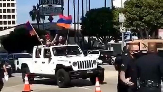 BLM в ШОКЕ! В США начались СТОЛКНОВЕНИЯ между армянами и азербайджанцами!