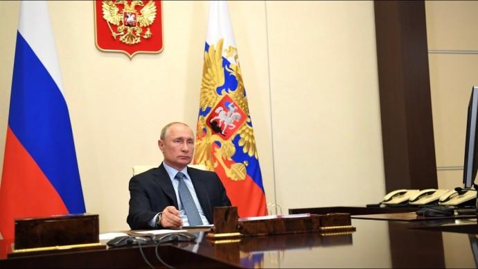 """Готова """"к серьезным вызовам"""". Путин дал оценку эффективности экономики"""