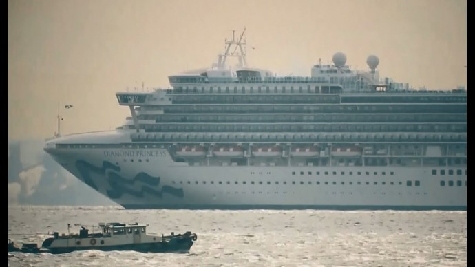 «Пассажиры не выходят из кают»: что происходит на корабле, закрытом на карантин из-за коронавируса