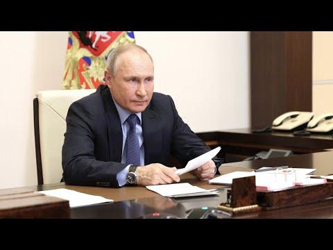 """Выбьем зубы: Путин — о желающих """"откусить"""" часть России"""