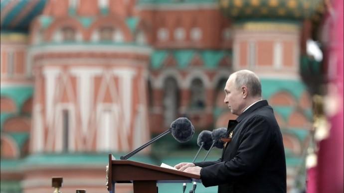 Путин поздравил ветеранов и всех граждан России с Днём Победы