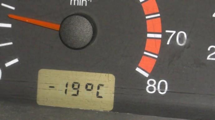 Посмотри как можно завести автомобиль в мороз, если что-то пойдёт не так.