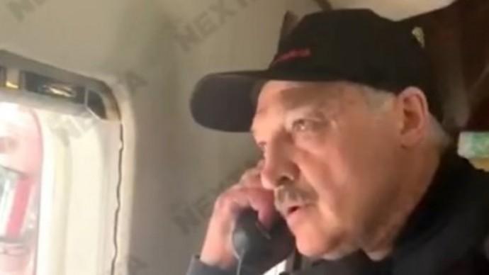 """""""Как крысы РАЗБЕЖАЛИСЬ!"""" Появились кадры, как Лукашенко с сыном летят на вертолете над Минском!"""