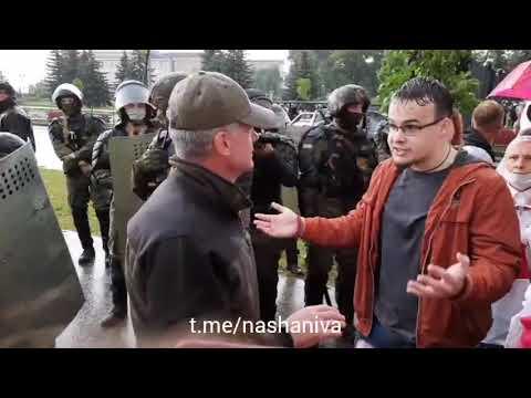 Срочно! Помощник Лукашенко вышел на ПЕРЕГОВОРЫ к протестующим!