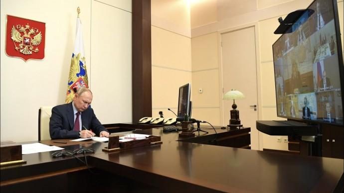 """Видим по цифрам"". Путин о тревожащем факторе в ситуации с COVID в России"