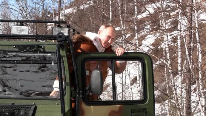 Путин и Шойгу проводят выходные в Сибири — видео