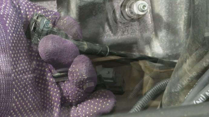 Каждый водитель должен знать как решить проблему с датчиком детонации. Код ошибки Р0327.