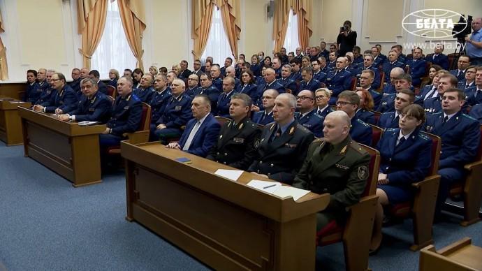 Срочно! Лукашенко ПРИКАЗАЛ прокуратуре применять МОЩНЫЕ МЕРЫ против протестующих!