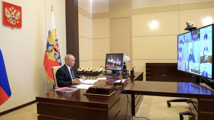 Владимир Путин провел совещание по борьбе с распространением коронавируса