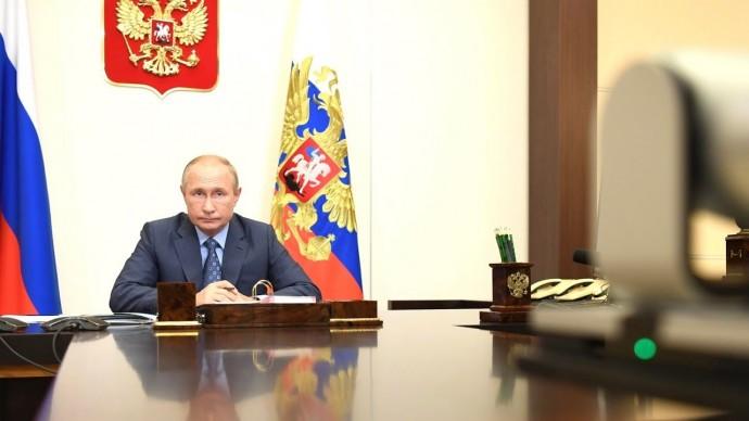 Путин пошутил про возникновение COVID-19. Президент провёл заседание Совета по культуре и искусству
