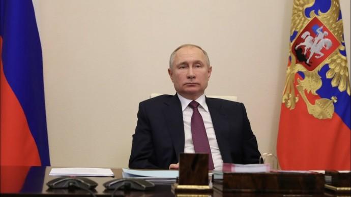 Переселить людей из трущоб: Путин провел первое в этом году совещание