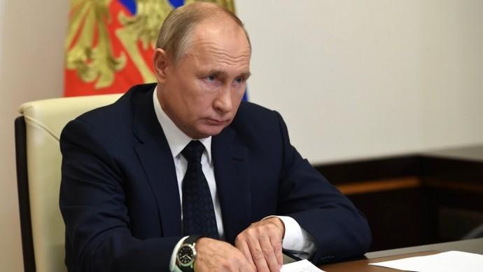 Помощь для борьбы с COVID-19 в регионах и ставка НДФЛ. Какие темы Путин обсудил с кабмином